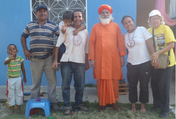 From left: Mike, Señor Pedro Garrido, Viirabrata with son Mahaviira, Dada Shambhushivananda, Krsna and Matilde.